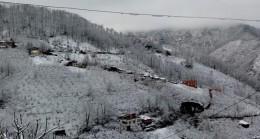 Esenli Köyüne Kar Vurdu Geçti