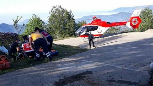 Sis Dağında Araç Şarampole Yuvarlandı 4 Yaralı